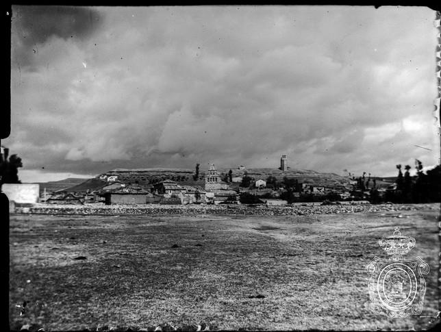 Vista panorámica de Ayllón, captada hace 114 años.