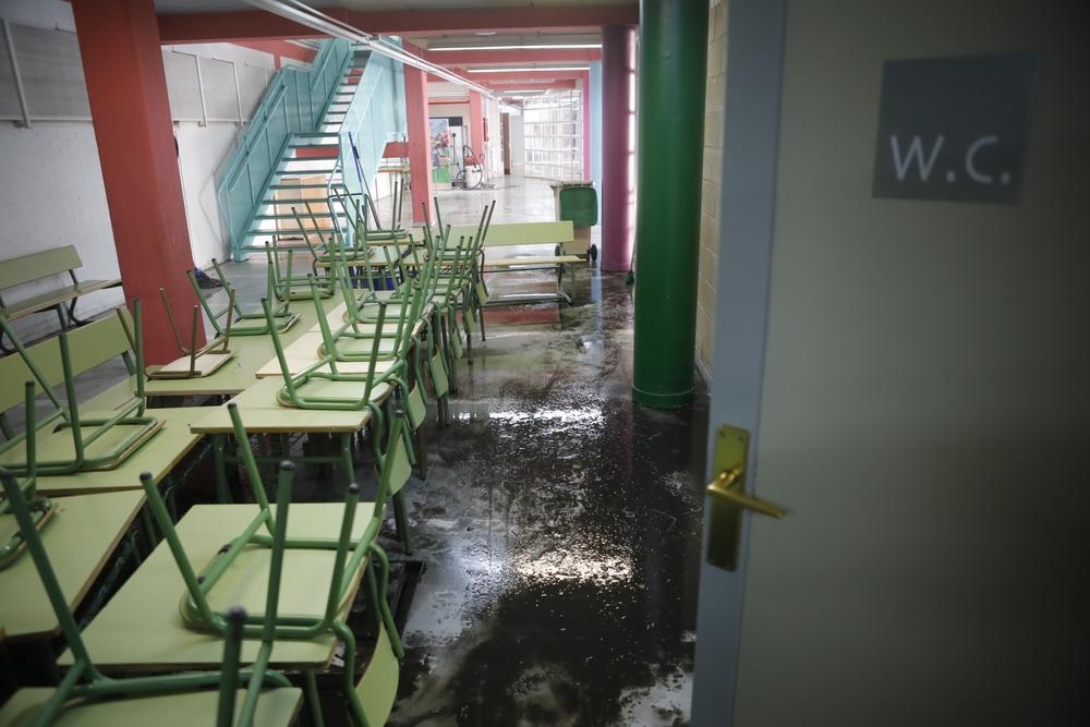 CEIP Cardenal Mendoza, aún con agua en su interior.