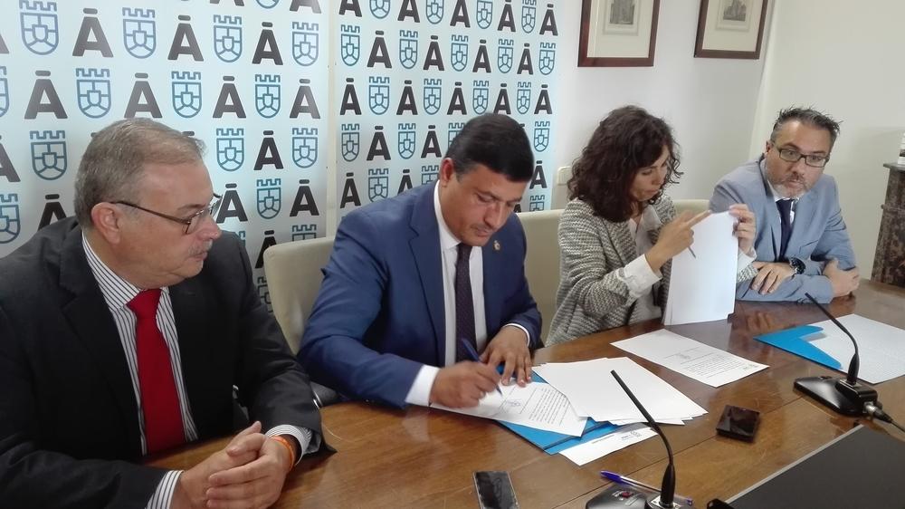 La Diputación colabora con Avilagro para ayudar a exportar
