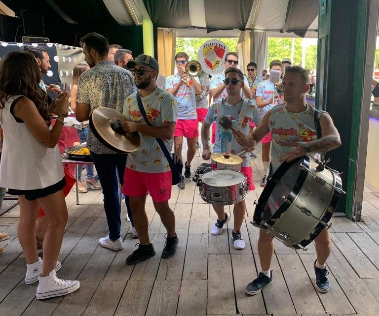 Huevos para todos y música charanguera