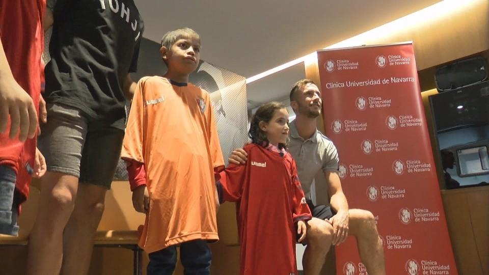 Las batas 'rojillas' se han realizado con las camisetas de juego de Osasuna
