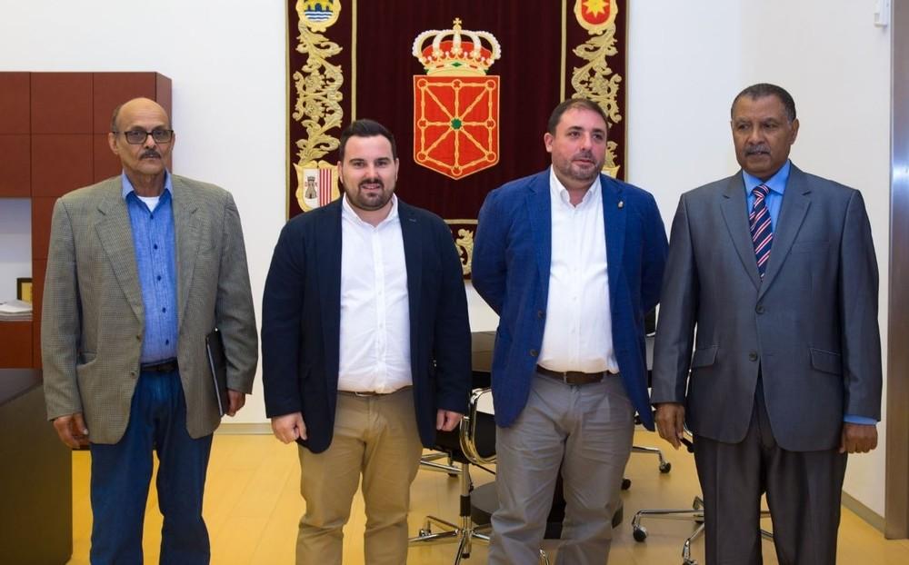 Hualde recibe al delegado del Frente Polisario para Navarra