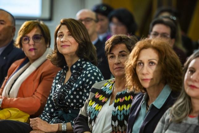 Page anuncia una estrategia por el empleo femenino Rueda Villaverde