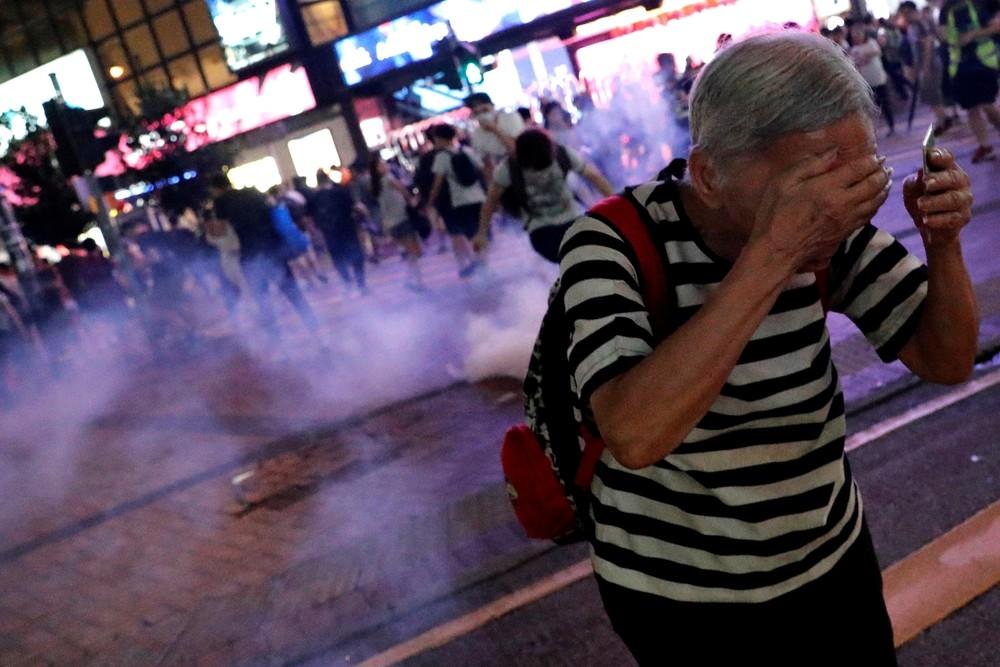 Nuevos disturbios entre Policía y manifestantes en Hong Kong