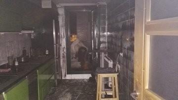 Un incendio deja un bombero y dos guardias civiles heridos
