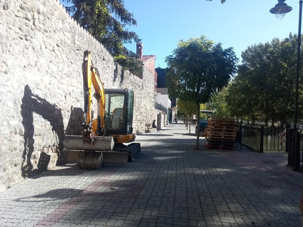 Aguilar inicia las obras en el paseo de La Cascajera