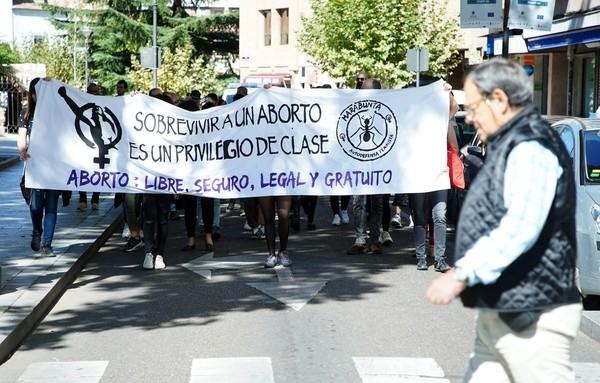 Decenas de personas reclaman la despenalización del aborto