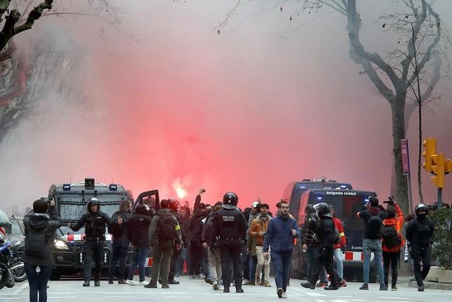 Heridos cinco aficionados del Olympique de Lyon en Barcelona Toni Albir