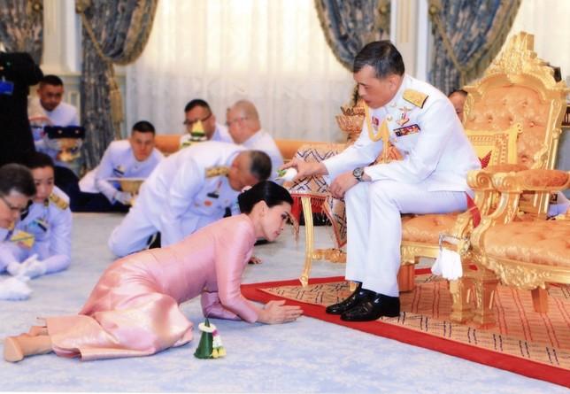 Tailandia amanece con una nueva reina  ROYAL HOUSEHOLD BUREAU / HANDOUT