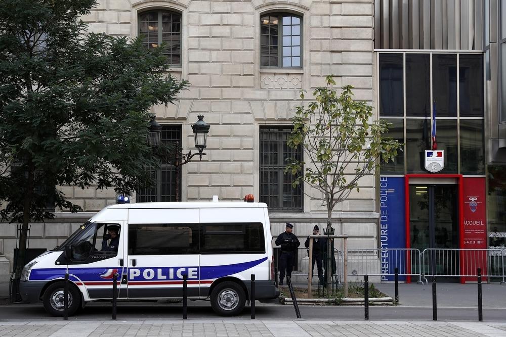 Al menos dos policías heridos en un ataque en París