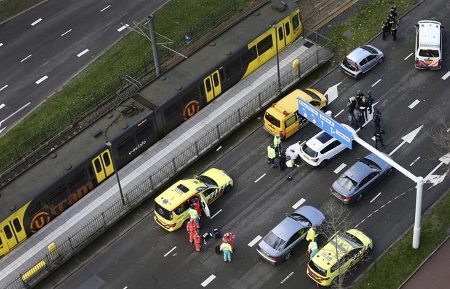 Al menos tres muertos en un tiroteo en Utrecht RICARDO SMIT