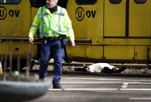 Al menos tres muertos en un tiroteo en Utrecht ROBIN VAN LONKHUIJSEN