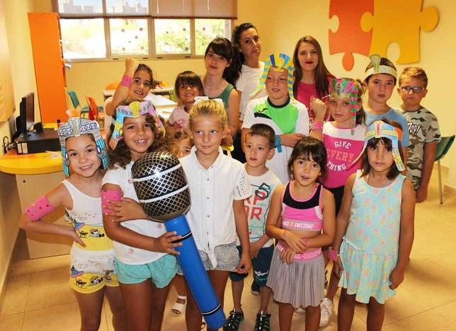 Más de 500 niños en el campamento urbano