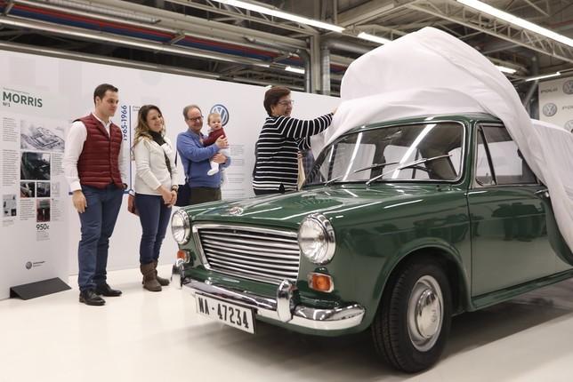 VW Navarra restaura el primer coche fabricado en Landaben