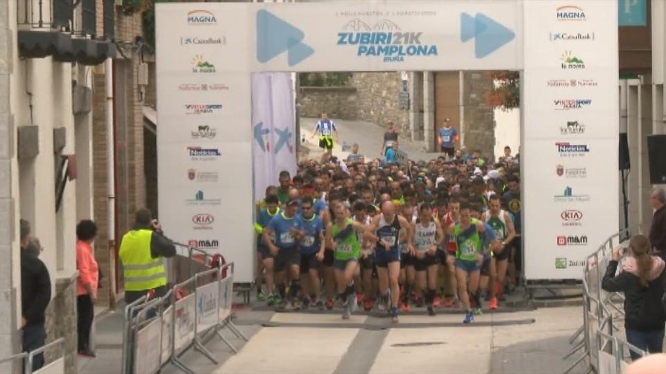 Momento de la salida de la primera edición de la Zubiri- Pamplona