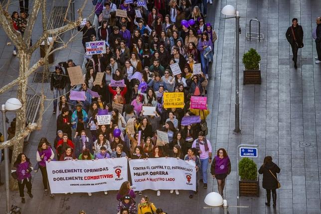 Ciudad Real se tiñe de violeta por el 8-M Rueda Villaverde