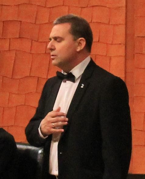 El piano de cola vuelve a Vallejimeno acompañado de un tenor