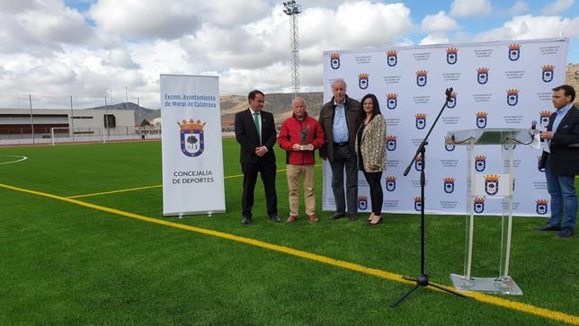 Del Bosque inaugura la ciudad deportiva de Moral