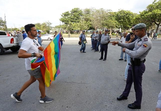 Enfrentamientos entre la Policía y activistas LGTBI en Cuba