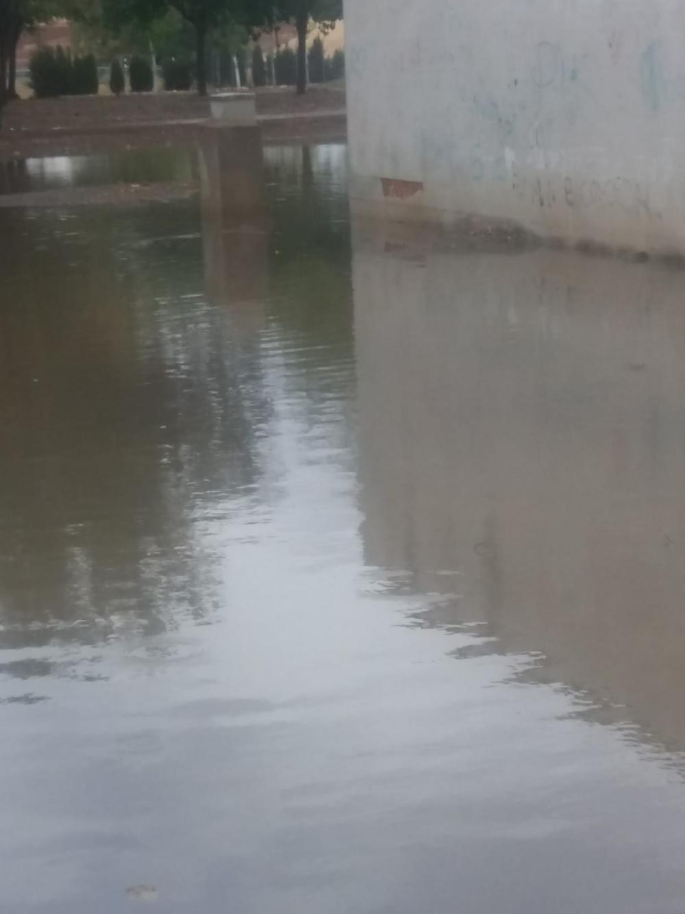 Una fuerte tromba de agua provoca inundaciones en Viso
