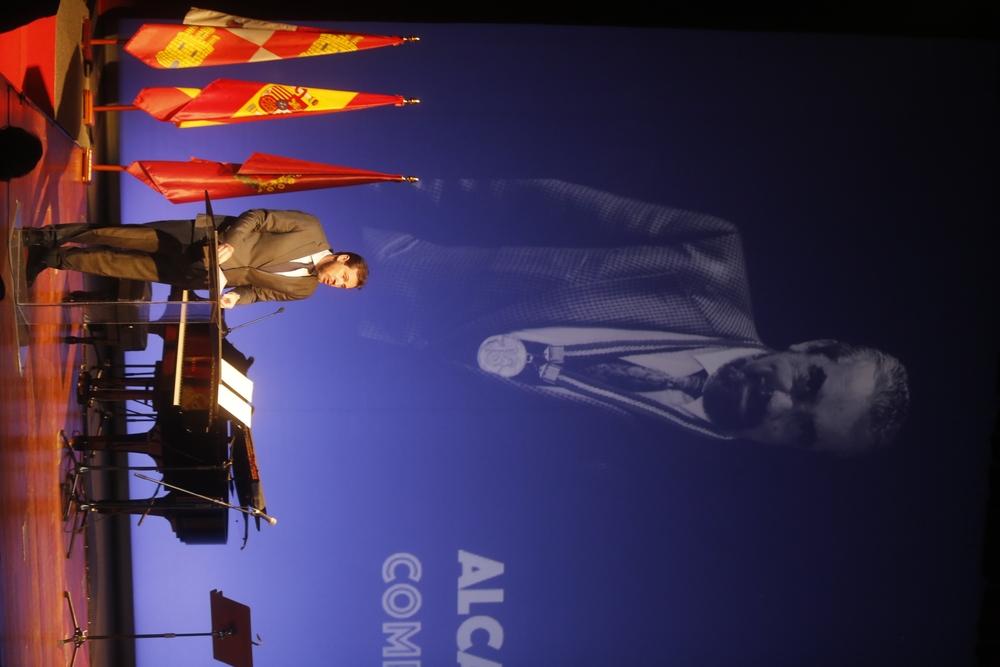 Acto de entrega de la medalla de oro a Tomás Rodríguez Bolaños Jonathan Tajes