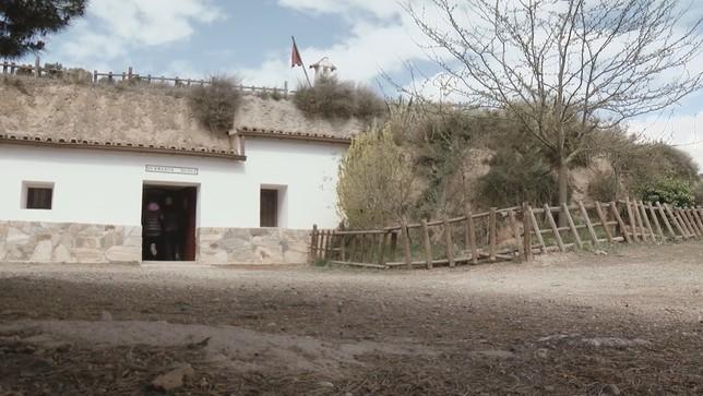 Cien años después, una cueva sigue su hogar en Lodosa