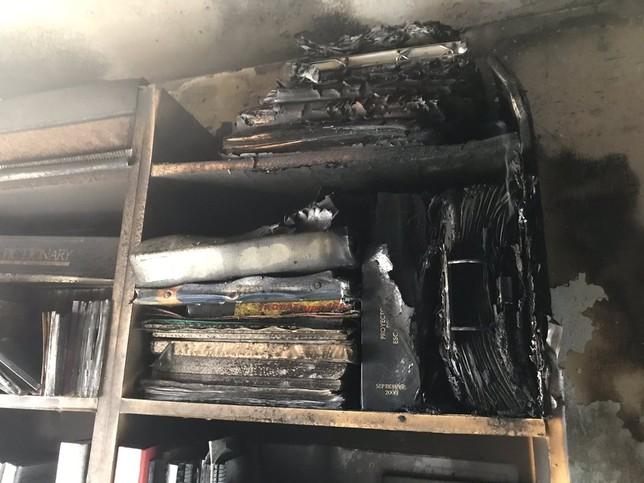 Dos intoxicados al incendiarse un piso de la calle Esgueva