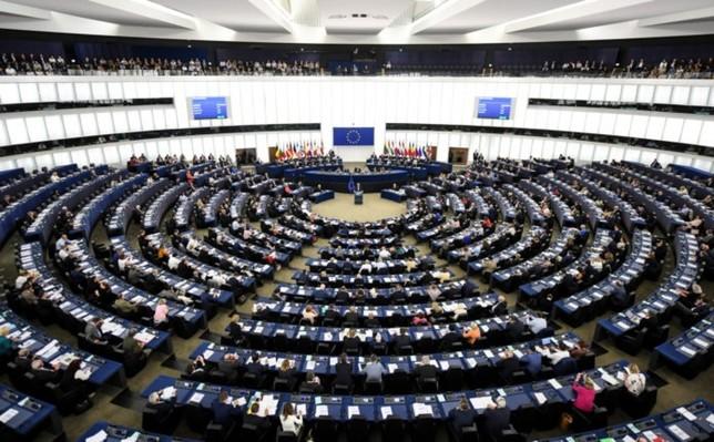 Bruselas eleva el déficit para España al 2,3 % para 2019