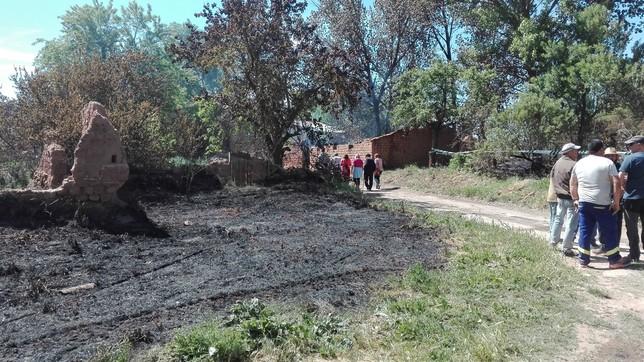 Alivio en Aldea de San Esteban el día después del incendio