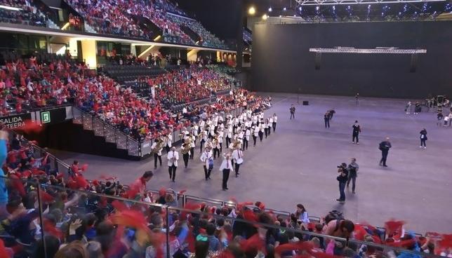 La Pamplonesa celebra sus cien años con 7.000 niños navarros
