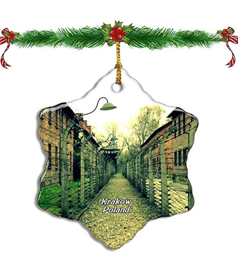 Amazon retira los adornos navideños con imágenes Auschwitz