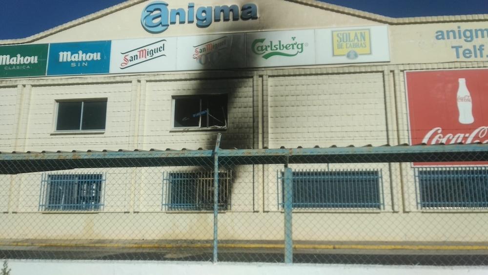 Incendio en la empresa Anigma, en el Polígono Campollano