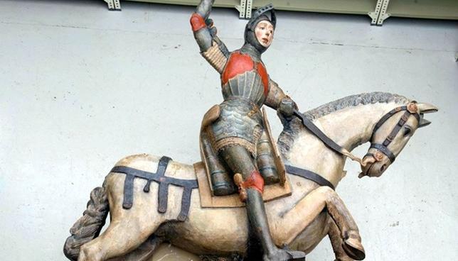Termina la restauración de la imagen de San Jorge de Estella