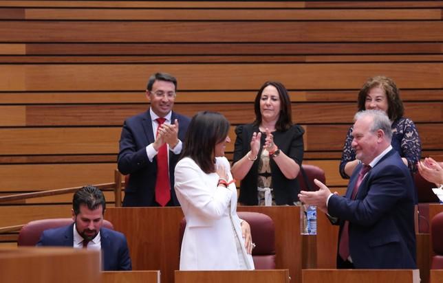 El grupo Socialista aplaude a Ana Sánchez Ical