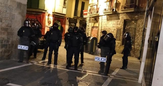 La policía entra de madrugada en Marqués de Rozalejo @MaravillasGTX