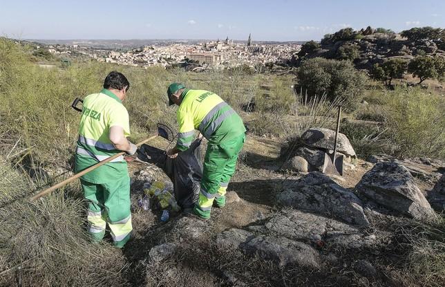 Retiradas más de 5 toneladas de basura del Valle VÁctor Ballesteros