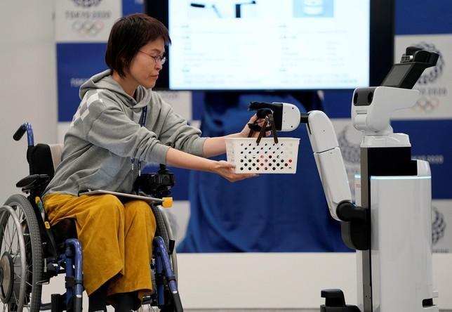 Robots asistentes para unos Juegos sin barreras FRANCK ROBICHON