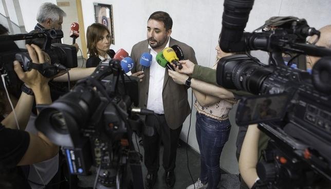 """Hualde rechaza que la composición de la Mesa sea """"inmoral"""" Parlamento de Navarra"""