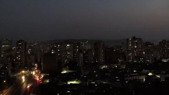 Un apagón generalizado deja sin luz a Argentina y Chile