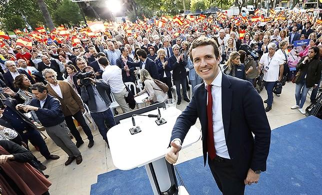 España decide su futuro entre dos grandes bloques Edu Botella