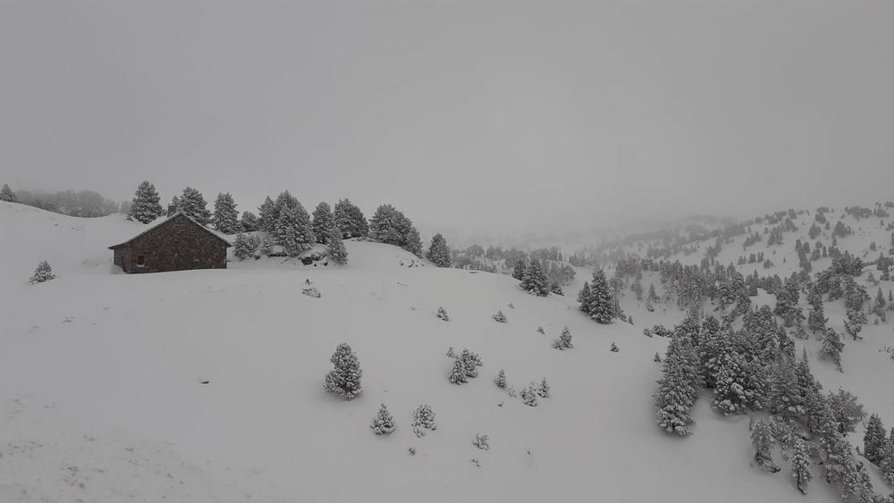 Triple alerta en Navarra por fuertes lluvias, viento y nieve