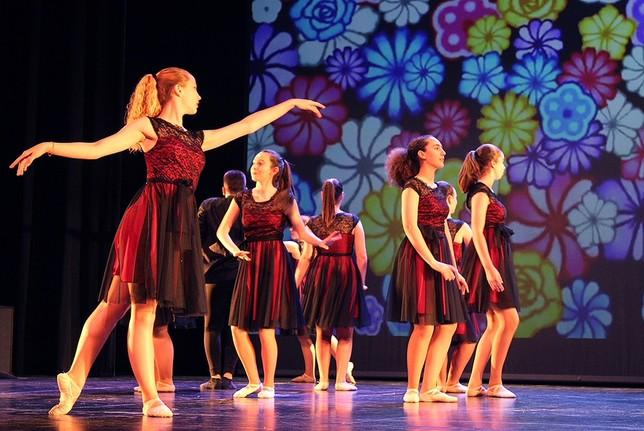 La danza se une en la lucha contra el cáncer