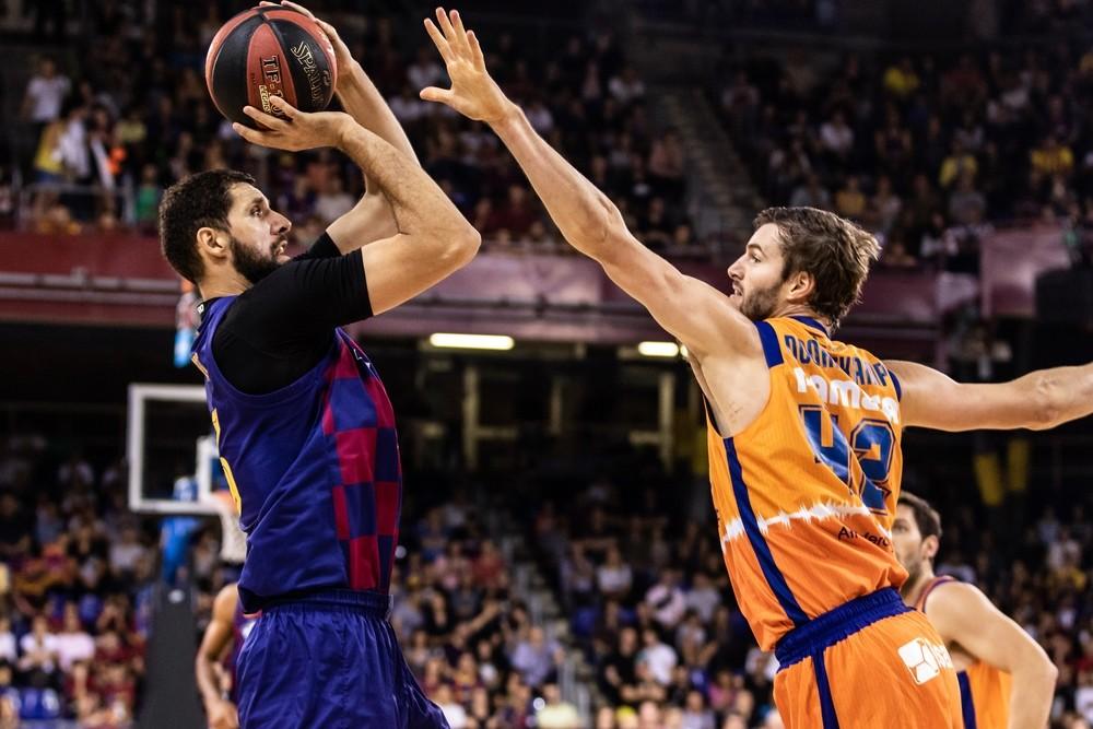 Mirotic funde la resistencia del Valencia Basket