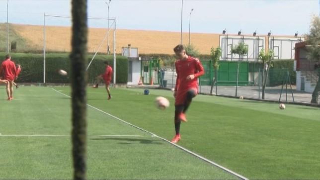 El navarro participada este jueves en su penúltimo entrenamiento con Osasuna