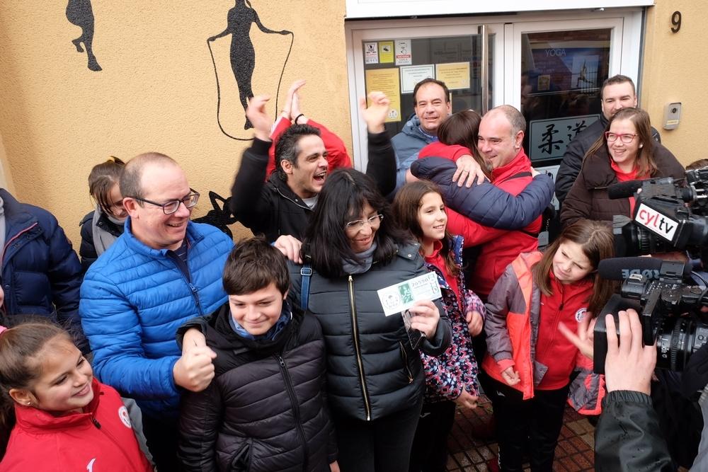 Un club de yudo salmantino acapara el Gordo en la capital