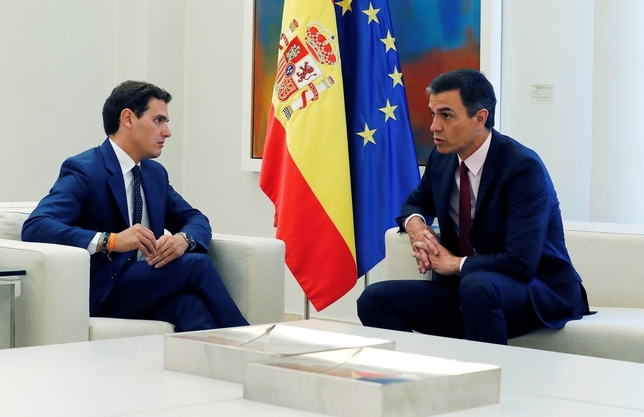 Rivera ofrece a Sánchez su apoyo para aplicar el 155 Zipi
