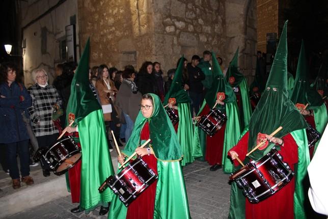 Detalle de la banda de cornetas y tambores de la Hermandad Mayor.