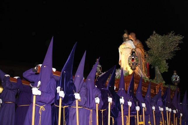 Los nazarenos procesionaron con el Beso de Judas. R.L.C.