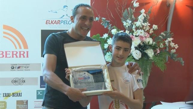 El joven Tasio Retegi también fue reconocido en la gala NATV