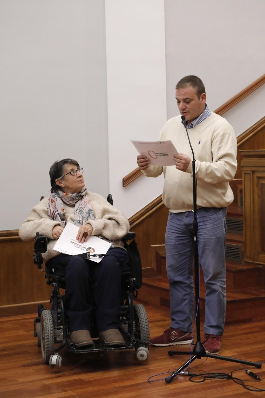 Doce asociaciones de personas con capacidades diferentes de la región participaron en el pleno especial celebrado en las Cortes regionales con motivo del Día Internacional de las Personas con Discapacidad.